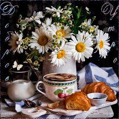 Still life, chamomile Good Morning Gift, Good Morning Coffee, Good Morning Picture, Good Morning Greetings, Coffee Gif, Coffee Love, Coffee Break, Whatsapp Fun, Breakfast Presentation