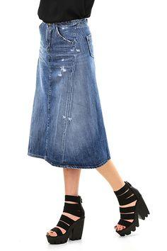 LIU.JO - Gonne - Abbigliamento - Gonna in jeans a cinque tasche con abbottonatura sul davanti. Taglio svasato e fibbia regolabile sul retro. Dettagli consumati sulla lungheezza. - BLUE - € 195.00