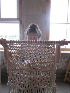 aliemadden: knitting rope with broom sticks : Tran-Thy Tran Vu Mims Crochet Fabric, Fabric Yarn, Knit Crochet, Giant Knitting, Arm Knitting, Knit Art, Yarn Thread, Idee Diy, Diy Craft Projects