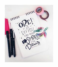 Nill de tudo um pouco: Frases maravilhosas Lettering Tutorial, Brush Lettering, Hand Lettering, E Bible, Bullet Journal School, Diy Letters, Instagram Blog, God Is Good, Barbie