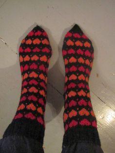 Roosa nauha Hertta-sukat