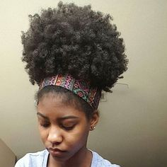 Mega Puff natural afro hairstyles for summer Pelo Natural, Natural Hair Tips, Natural Hair Journey, Natural Curls, Natural Hair Styles, Natural Beauty, Natural Fashion, Puff Ponytail, Pelo Afro