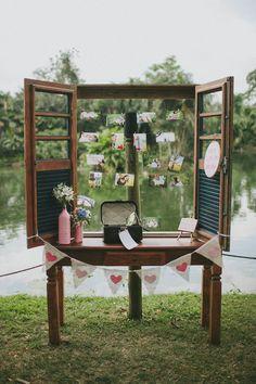 decoracao-de-casamento-na-fazenda-decor-com-janela-de-madeira.jpg