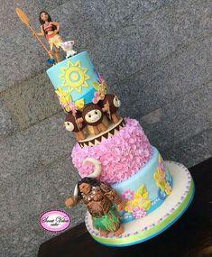I hope you enjoy these amazing MOANA CAKE ideas. Moana Party, Moana Themed Party, Moana Birthday Party, 6th Birthday Parties, Luau Party, 2nd Birthday, Birthday Ideas, Festa Moana Baby, Bolo Moana