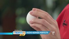VIDEO: El Chef James te enseña a preparar un huevo hervido perfecto (VIDEO) – Un Nuevo Día - http://uptotheminutenews.net/2014/03/28/latin-america/video-el-chef-james-te-ensena-a-preparar-un-huevo-hervido-perfecto-video-un-nuevo-dia/