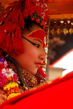 Here's how to visit major cultural sites in Kathmandu, Nepal—Durbar Square, Monkey Temple and more, and the best things to do and eat in Kathmandu. Bride Accessories, Hinduism, Buddhism, Citizen, Nepal, Art History, Roots, Beautiful People, Art Photography
