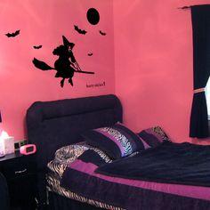 Halloween Wall Decal Witch Bat Harry Sticker hst-0422witch-bat【魔女とこうもり】空を見上げると、ホウキに乗った魔女が街に向かって魔法をかけてるよ。#Halloween#harrysticker #interior #wallsticker #homedecor #room #harryart #sticker #ウォールステッカー#ハリーステッカー#ハロウィン