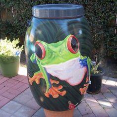 ecco come si può trasformare un vecchio barile come contenitore per l'acqua  www.ortopertutti.it
