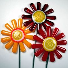 Google Image Result for http://www.theartzoo.com/pictures/decor/fused-glass-flowers-10.jpg