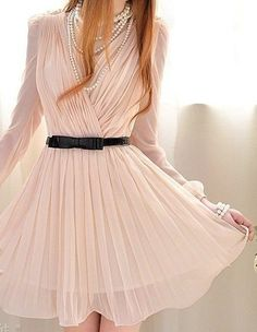 Short light pink plisse dress with long sleeves