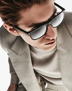 Discover your pair of TOM FORD Sunglasses.  #TOMFORD #TFEYEWEAR #NationalSunglassesDay