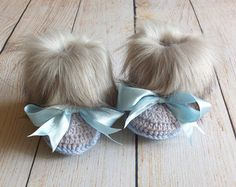 Gray and pink fur booties - Newborn girl Booties - Preemie girl clothes - Crochet slippers- Baby girl gift- Baby girl shoes- Baby girl boots Faux Fur Baby Booties Baby girl booties Crochet by Handmade Crochet Baby Boots, Booties Crochet, Crochet Slippers, Baby Girl Boots, Baby Booties, Baby Slippers, Baby Feet, Girl Gifts, Girls Shoes