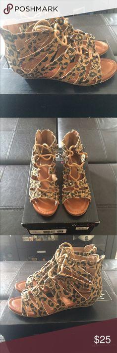 Girls Leopard Canvas Dolce Vita Size 13 Shoes Girls Leopard Canvas Dolce Vita Size 13 Shoes DV by Dolce Vita Shoes Sandals & Flip Flops