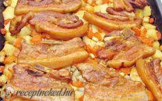 Magyaros sült császár tepsis zöldségágyon recept fotóval Meat Recipes, Cake Recipes, Green Eggs And Ham, Hungarian Recipes, Potato Dishes, Food 52, Pot Roast, Sausage, Bacon