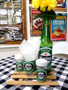 Personalize Sua Festa com Centrinho Botechic Heineken no Party Looks, Ideas Decoracion Cumpleaños, Partying Hard, Its My Bday, Birthday Decorations, Open House, Beer Bottle, Party Time, Diy And Crafts