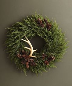 Cozy Rustic Christmas-evergreen wreath simply adorned with antlers and pinecones Natural Christmas, Rustic Christmas, Winter Christmas, All Things Christmas, Christmas Home, Christmas Crafts, Christmas Decorations, Holiday Decor, Christmas Jesus