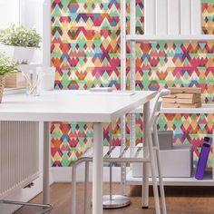 Essa estampa colorida é perfeita para quem gosta de um ambiente descontraído.