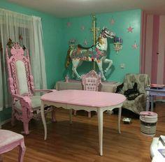 Cute contrasting dollhouse decor