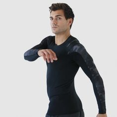 Our technical baselayer with PostureCue™ Technology adapts to your anatomy to keep you comfortable while you move   Buy One, Get One 50% off on ALL Foundation Long Sleeve 2.0's for men and women CODE: SOCIAL50 ❄️