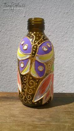 Ręcznie malowana szklana butelka - Kwiaty i motyl