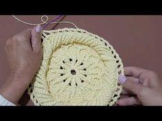 Crochet Mat, Crochet Carpet, Freeform Crochet, Love Crochet, Bead Embroidery Tutorial, Crochet Flower Tutorial, Crochet Flowers, Beaded Embroidery, Crochet Crocodile Stitch