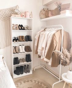 Zimmer inspo My seach for the perfect bikini I am packing my bags for a trip to Costa Rica and reali Room Ideas Bedroom, Small Room Bedroom, Home Decor Bedroom, Korean Bedroom Ideas, Diy Bedroom, Bedroom Inspo, Modern Bedroom, Girls Bedroom, Cute Room Decor