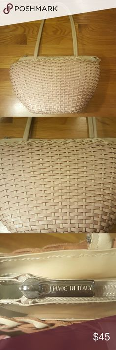 Italian Leather Ellepi Purse 100% Genuine Woven Leather  Very light pink and creme beautiful woven shoulder bag from Italy.   Perfect for the summer!  Great condition, a little staining in the inside.  Refer to picture! Ellepi Bags Shoulder Bags
