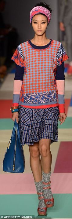 Marc Jacobs.  Like this style should be easy to make.