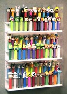 Pez for Collectors * Pez Displays Hanging Racks & Table Top Stands, Luggage Tags * [SECURE ON-LINE ORDERING]