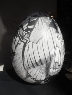 7 – Butterfly Effect Egg – Clara Lacy