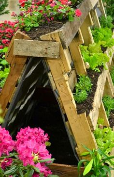 Recycled Pallet Wood Garden Planters