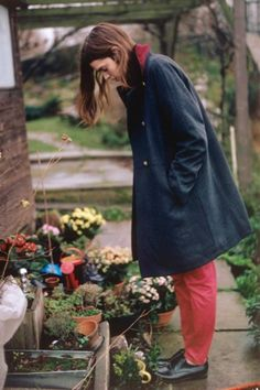 Discover previous Paul Smith catwalk collections including show films, detailed write-ups and a complete archive of show looks. Paul Smith, Need Somebody To Love, Coral Pants, Mode Grunge, Autumn In New York, Navy Coat, Catwalk Collection, Cold Weather Fashion, Autumn Inspiration