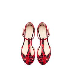 PRINTED LEATHER FLAT SANDAL from Zara