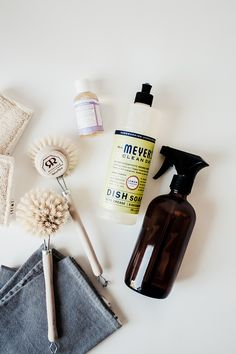 Simple & Safe Cleaning | Merfleur  #non-toxic #mrsmeyers #amber #glass #twist #drbronners #redecker #wood #natural #traderjoes