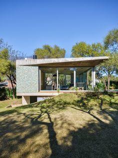 Casa en el Bosque / GRUPOURBAN Arq.