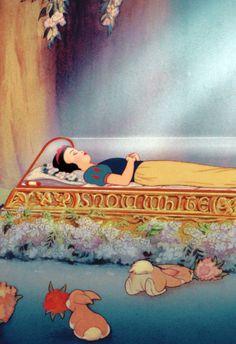 Snow White background / wallpaper / Disney