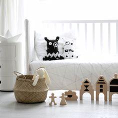 Ooh Noo and Its Novelties, Love at First Sight http://petitandsmall.com/ooh-noo-kids-decor-toys/