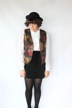 Vintage 80s Fall Floral Silky Vest // Autumnal Holiday Vest Top. $26.00, via Etsy. #vintage #vintagestyle #vintageclothing #fashion #style #winterstyle