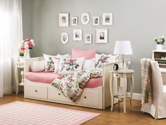 - Wake Up to a Beautiful New Bedroom on HGTV