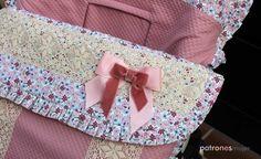 Hola chicas!!! En un blog de costura infantil, nos gusta compartir a demás de prendas para vestirles, también lo más chic en puericultura, para las mamás que le gusta ir a la última. Ya sabéis que todo a cambiado mucho, antes los tejidos, materiales, y … Bugaboo, Diy, Layette, Free Pattern, Pregnancy, Healthy, Bebe, Bricolage, Diys