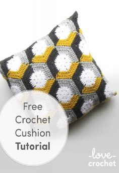 Crochet Tutorial Design free crochet cushion tutorial - Learn how to make fabulous three-colour hexagon motifs with Emma Friedlander-Collins' fabulous photo tutorial! Crochet Olaf, Crochet Home, Love Crochet, Crochet Gifts, Knit Crochet, Crochet Pillow Pattern, Crochet Cushions, Crochet Patterns, Crochet Ideas