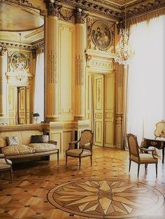 Private home, Paris Love the floor design French Architecture, Architecture Details, Interior Architecture, Interior And Exterior, French Interior, Classic Interior, French Decor, Beautiful Interiors, Beautiful Homes