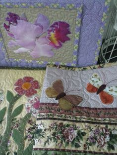 Flores e borboletas, nas capas de bíblias !
