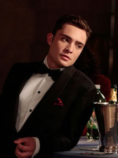 Chuck Bass, Ed Westwick…whoever you are I love you! Chuck Bass, Ed Westwick…whoever you are I love you! Gossip Girl Chuck, Gossip Girls, Mode Gossip Girl, Estilo Gossip Girl, Gossip Girl Blair, Chuck Bass Ed Westwick, Im Chuck Bass, Chuck Bass Style, Chuck Bass Quotes