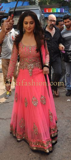 http://www.kalkifashion.com/ Madhuri Dixit Nene in Manish Malhotra's Pink attire at JDJ finals