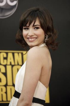 Short Hair Inspiration: with bangs