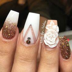 #nails #instafashion #instagram #gold #acrylicnails #fashion #3d #swarovski #capuccino #white