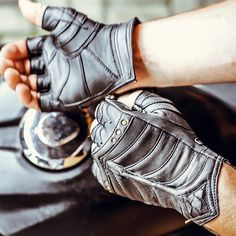 New Arrivals from SkyRider Gloves Enarmoured Gloves Jedi Hoods… – Character Design Apocalypse Fashion, Post Apocalypse, Part Of Hand, Slow Fashion, Mens Fashion, Handsome Jack, Post Apocalyptic Fashion, Burning Man Fashion, Sheep Leather