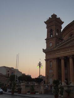 Retour sur mon année 2015 - Au'riginalité Retrouvez d'autres articles lifestyle et voyage sur mon blog : http://auriginalite.com/index.php/2015/08/01/voyage-a-malte-mon-avis-mon-experience/ >>> #lifestyle #travel #voyage #road #trip #summer #Malte #Malta #Sunset