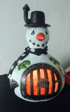 Snowman LightUp PotBellied Stove Gourd by BostfulBits on Etsy, $70.00  I made this....had to post...love this guy!!